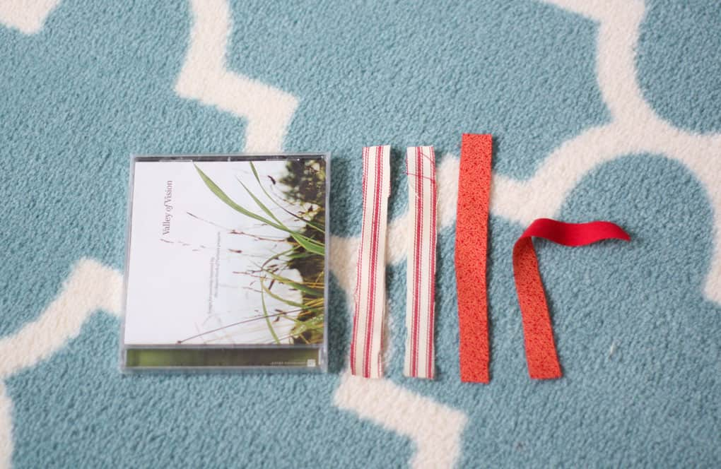 make ticking stripe fabric heart wreath cd and fabric strips