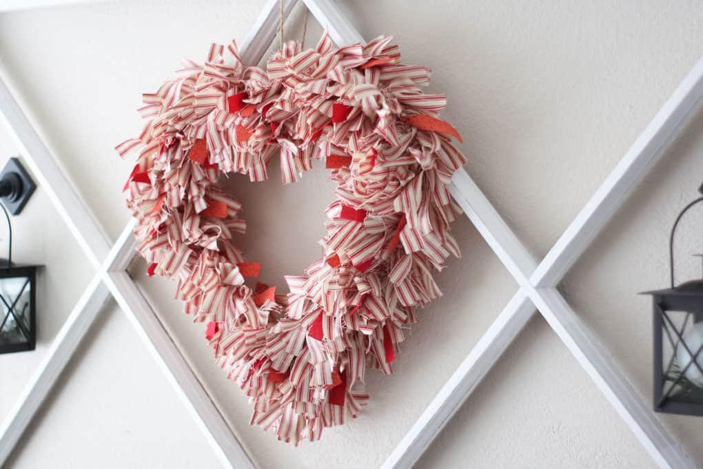 make ticking stripe fabric wreath Valentine