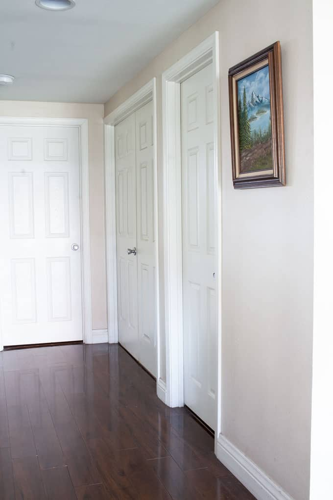 how to make fake enamel sign hallway with three doors and picture on wall