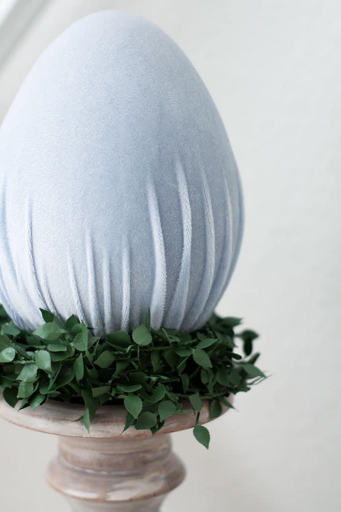 how to make velvet easter eggs candle holder and velvet egg with ivy