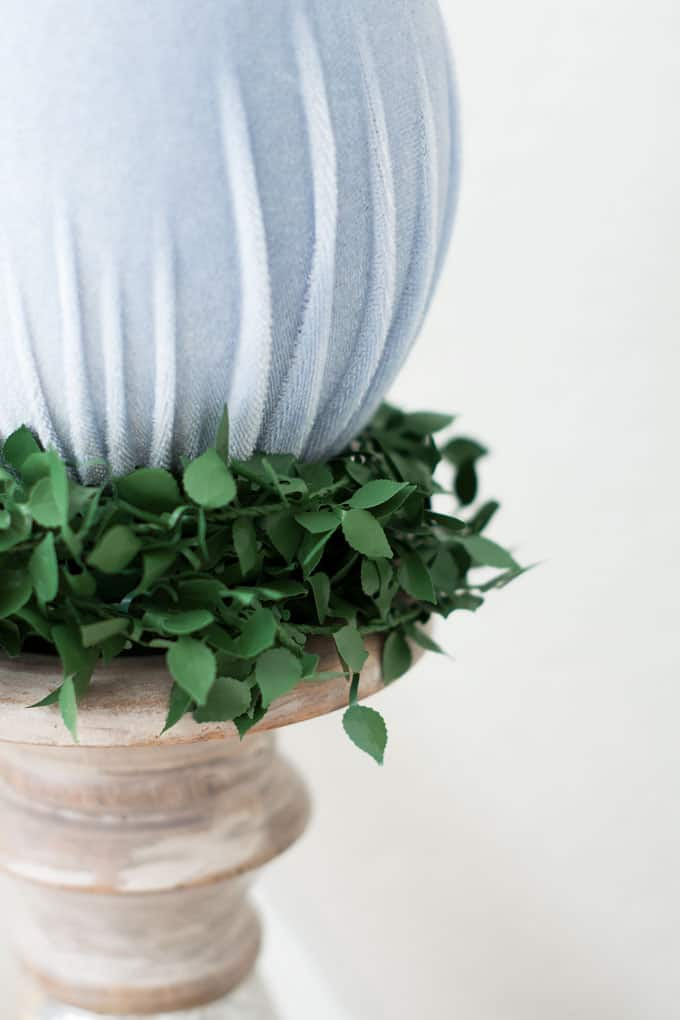 how to make velvet easter eggs candle holder and velvet egg with ivy