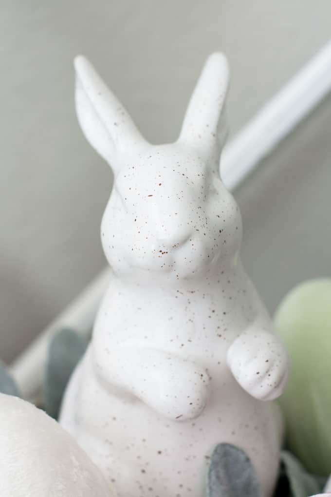 how to make velvet easter eggs closeup of white speckled bunny