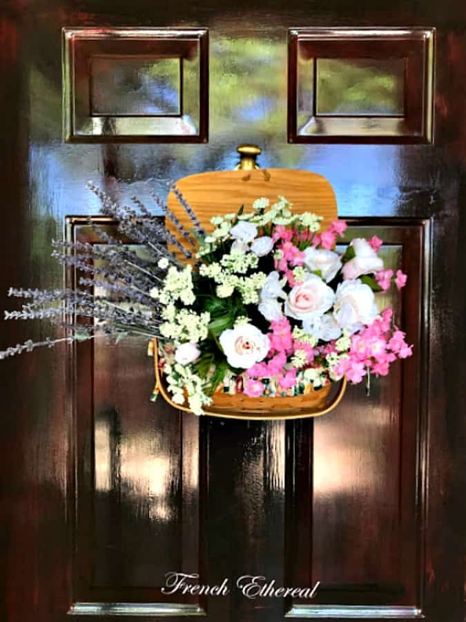 homestyle gathering 16 door decor with basket and faux florals