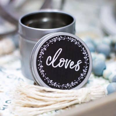 make chalkboard labels using computer label on spice tin in tray with wooden beads