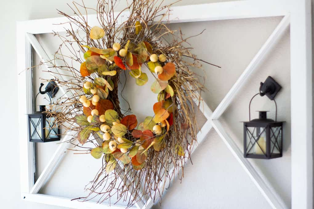 quick easy rustic fall wreath hanging on wall