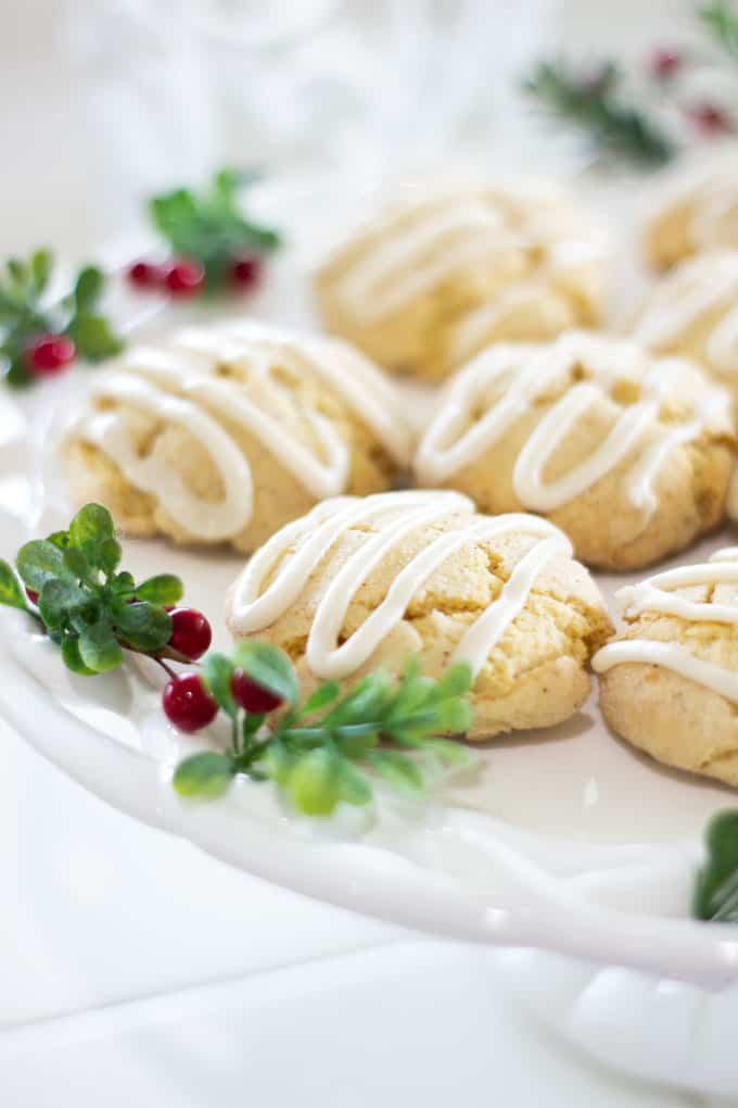 Easy Holiday Nutmeg Cookies