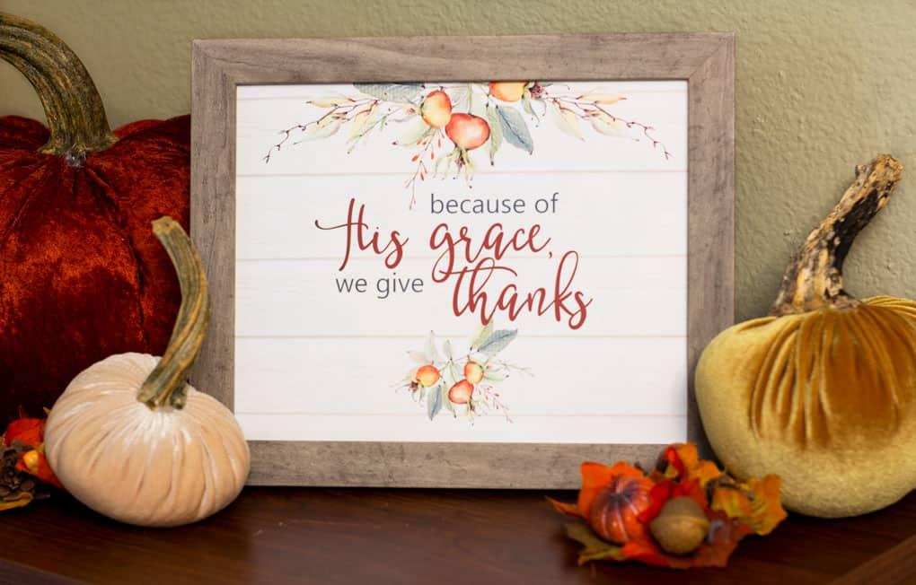 thanksgiving printable in a frame with velvet pumpkins