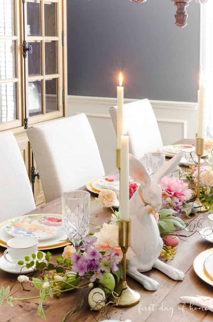 easy and lovely spring centerpieces table with bunnies florals and tablesettings in dining room
