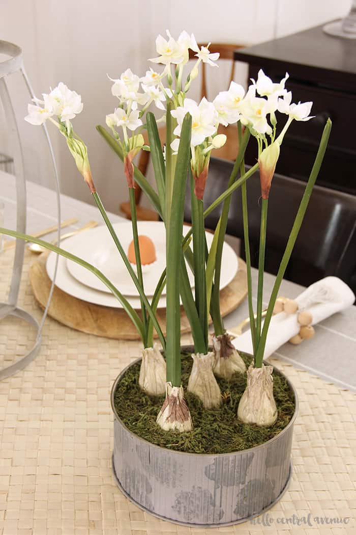 easy and lovely spring centerpieces faux paperwhites in galvanized container
