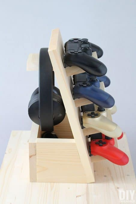 tuesday turn about 45 spring game controller stand