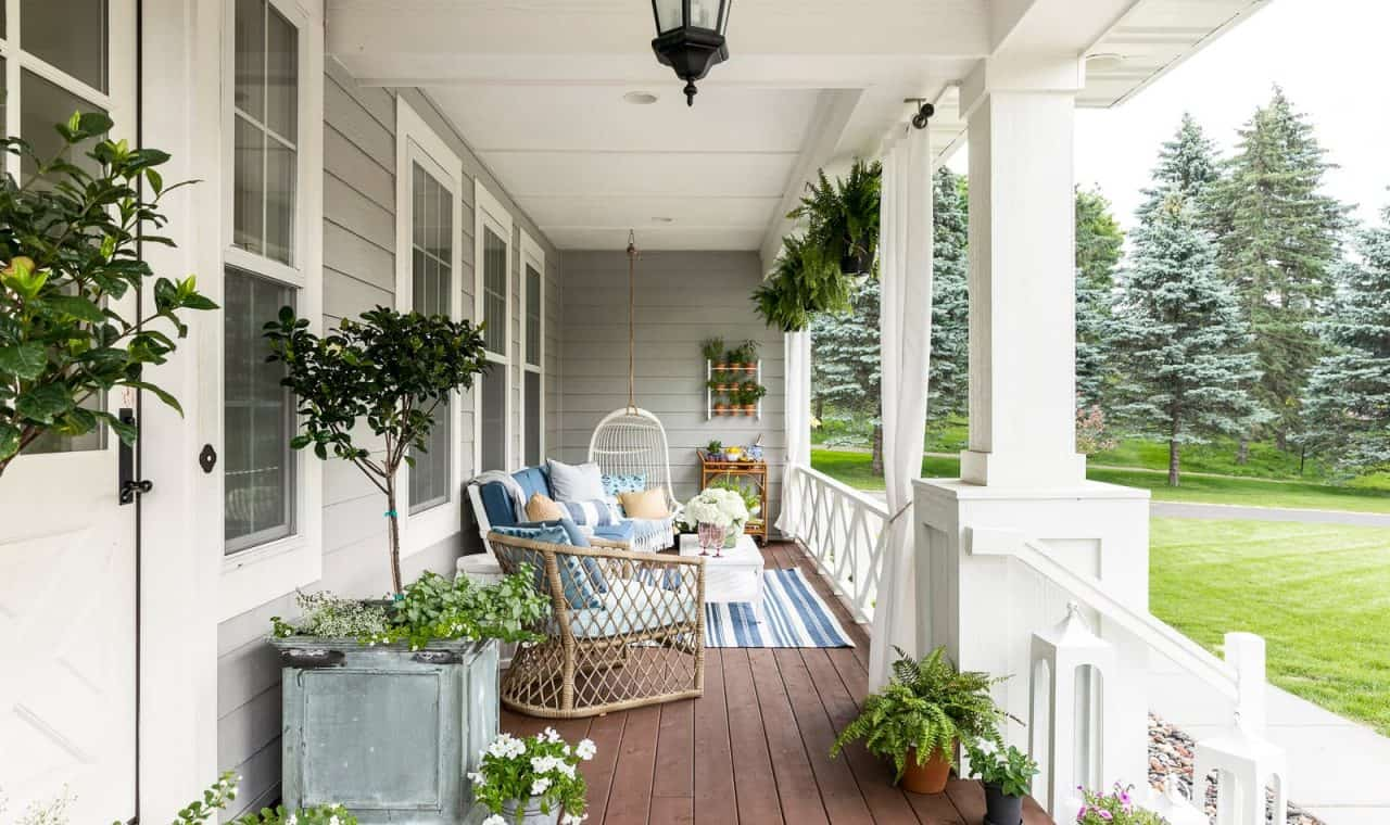 summer patio in blues and white with lots of greenery