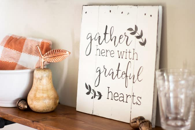 apartment fall decor open shelf with grateful sign