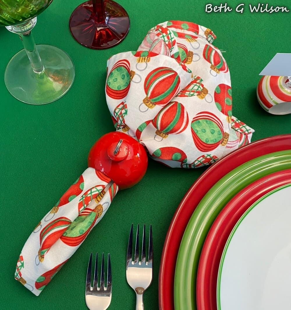 tuesday turn about 78 christmas ideas table setting with ornament theme