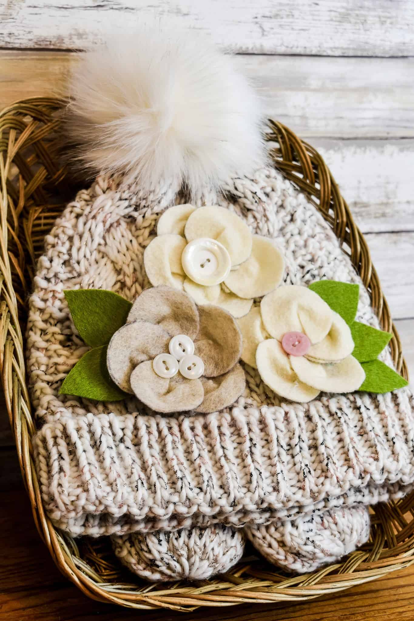 last minute diy gifts snow cap and mittens with floral embellishments