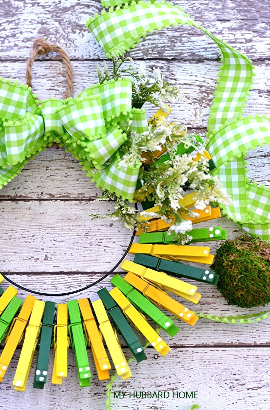 tuesday turn about 94 easy home diys clothespin wreath with gingham bow