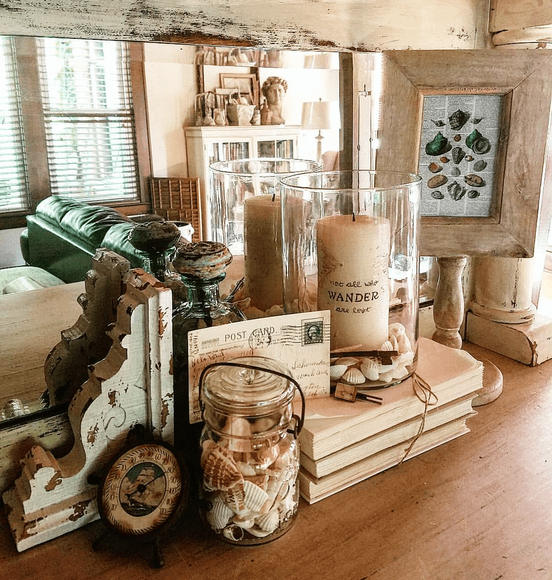 wood surface with coastal decor and elements