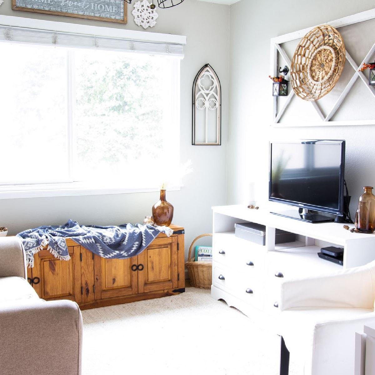 Easy Fall Decor Ideas for a Small Home